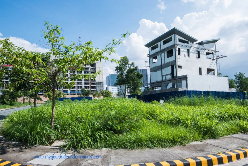 Mckinley-West-Village-Fort-Bonifacio-House-Lot-For-Sale